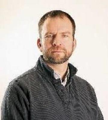 Photo of Professor Iain Sutherland